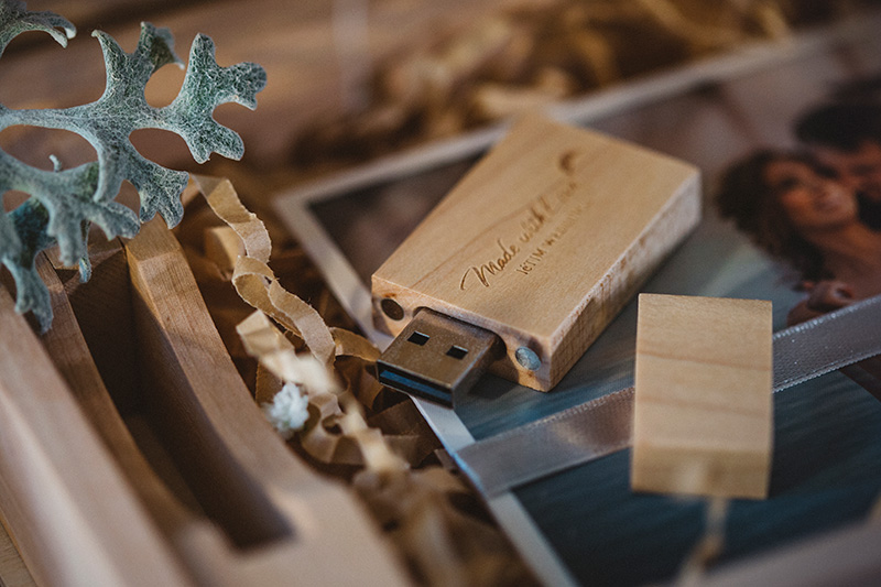 letim weddings; wedding packaging; book box with fine art prints; usb stick