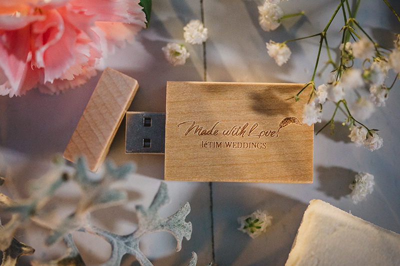 letim weddings; wedding packaging; usb stick